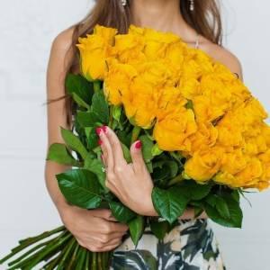 Букет 51 желтая роза с лентами R308