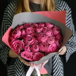 Букет 15 веток кустовой пионовидной розы R516